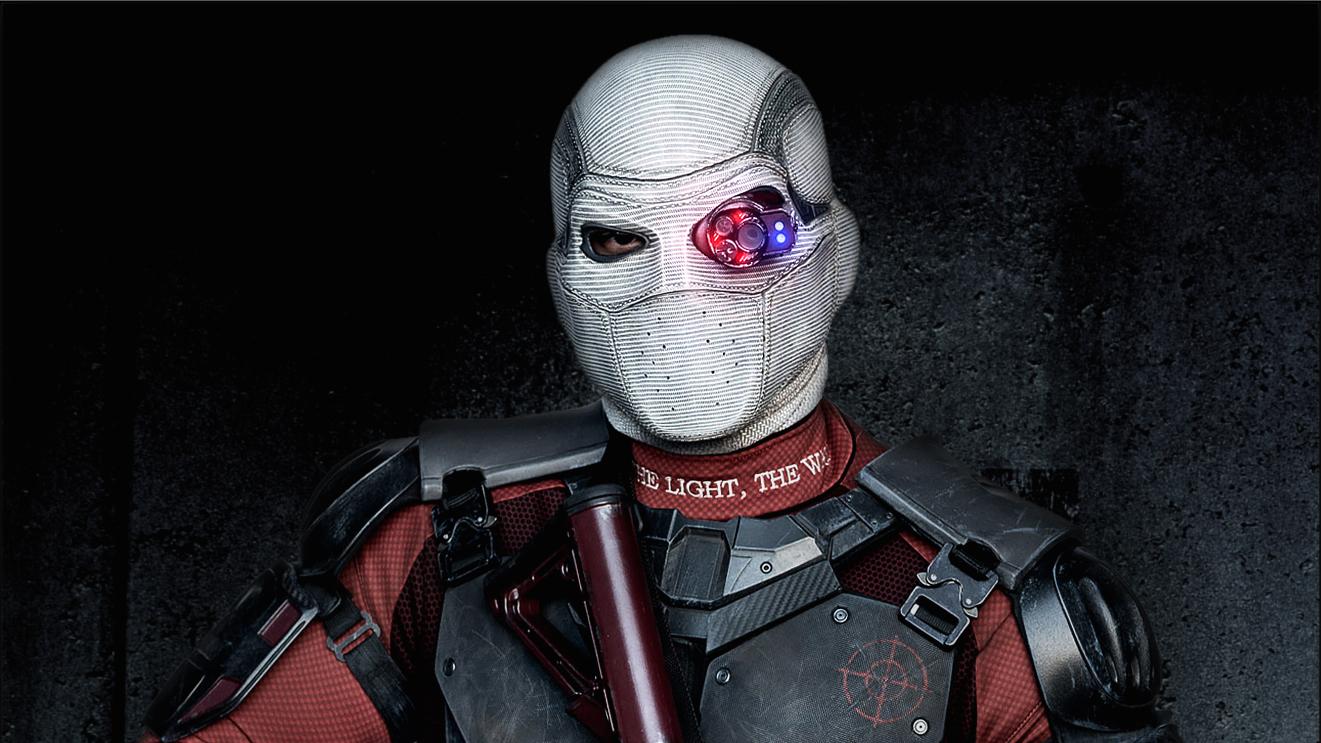 Deadshot Rappels Down A Building In New Suicide Squad