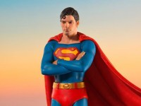 Iron Studios Superman the Movie Statue Recreates Iconic Moment