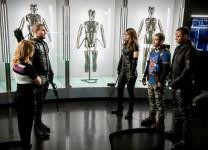 Team Arrow teams up with Laurel in new episode photos